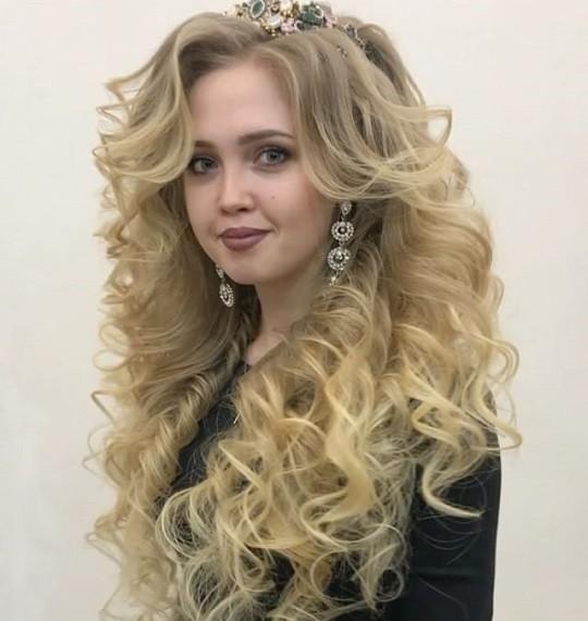 Прически воздушные на средние волосы