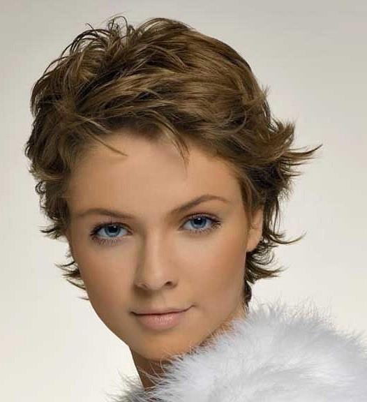 На волосах, имеющих короткую длину легко устроить «творческий беспорядок»