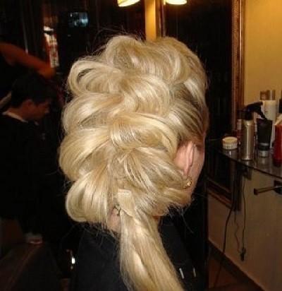 Вечерние прически на короткие волосы с челкой