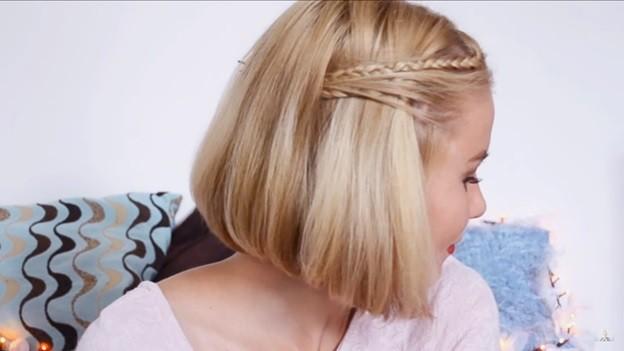 Каре с двумя косичками - прическа для девочки на 1 сентября, 6 этап выполнения
