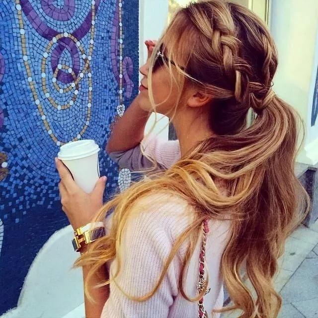Прическа на длинные волосы беременным